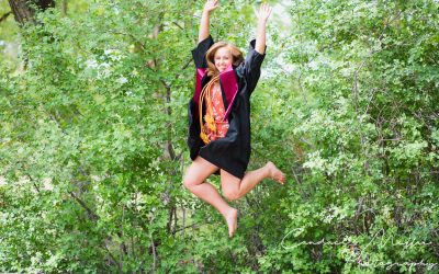 A Guide For The Best Time To Schedule Senior Pictures